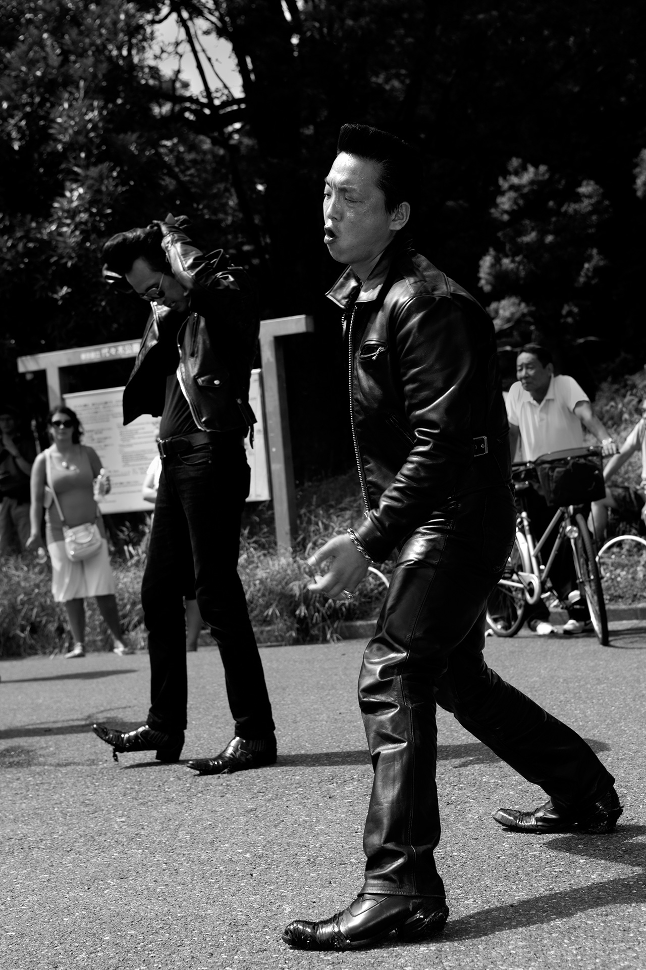 Tokyo Rockabilly Club by Carlos Escolástico