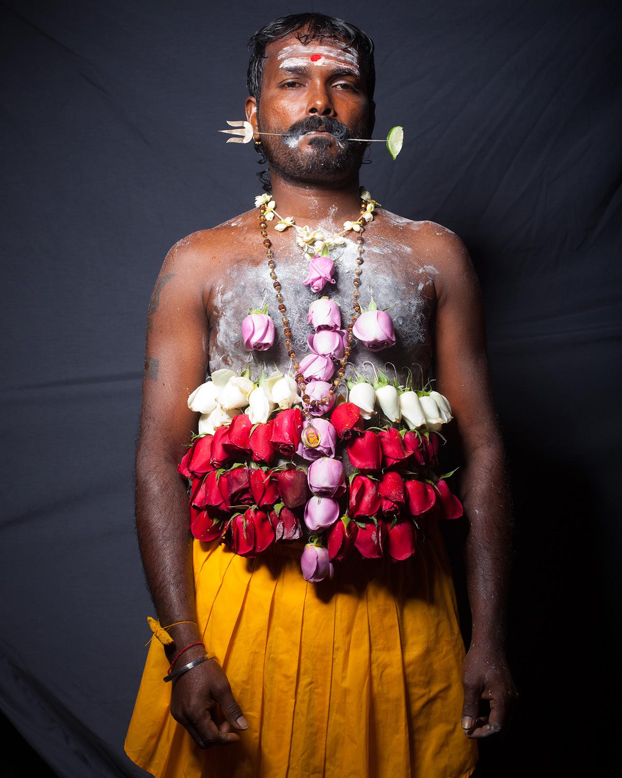Thaipussam: color, dolor y trance. Por Carlos Escolástico